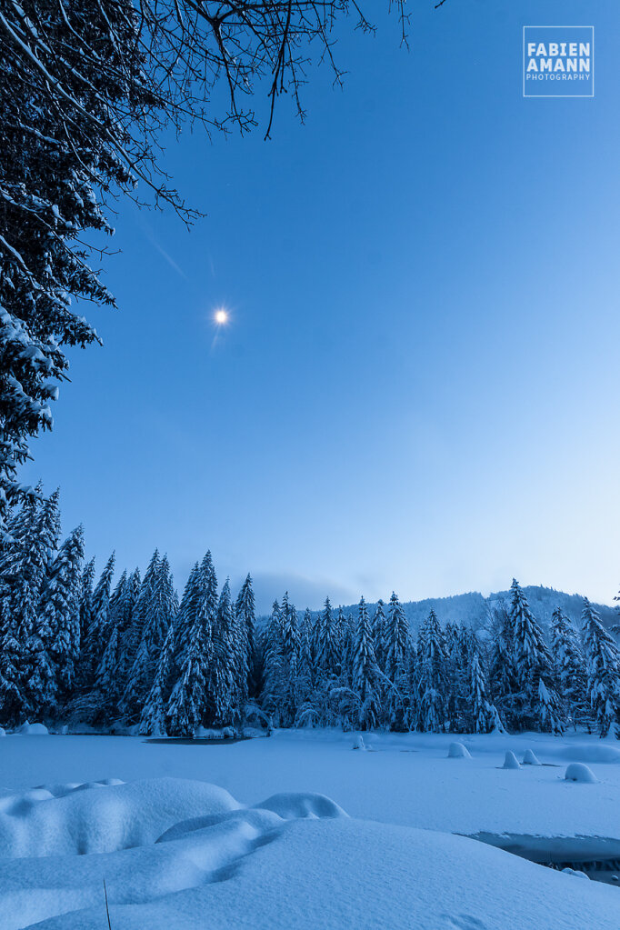 Freezing moon